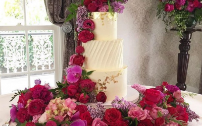 Wedding Cake Tips to Please a Crowd