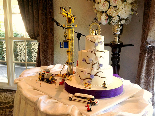 Ballara Wedding Cake Tips - Lego Scene Wedding Cake