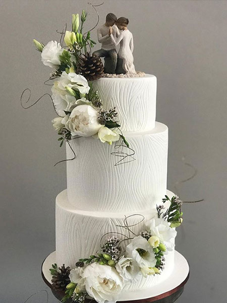 Ballara Wedding Cake Tips - Seasonal Wedding Cakes