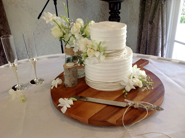 Ballara Wedding Cake Tips - Theme Your Cake to Your Wedding Colours